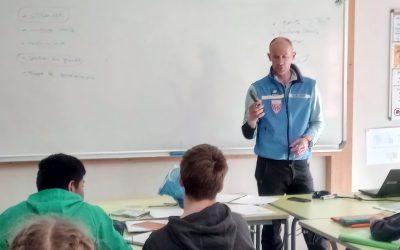 Intervention des CRS de Chamonix sur le secours en montagne pour les élèves de 2de Pro
